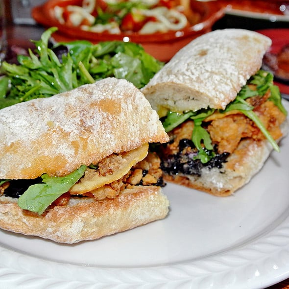 Calamares Fritos Sandwich