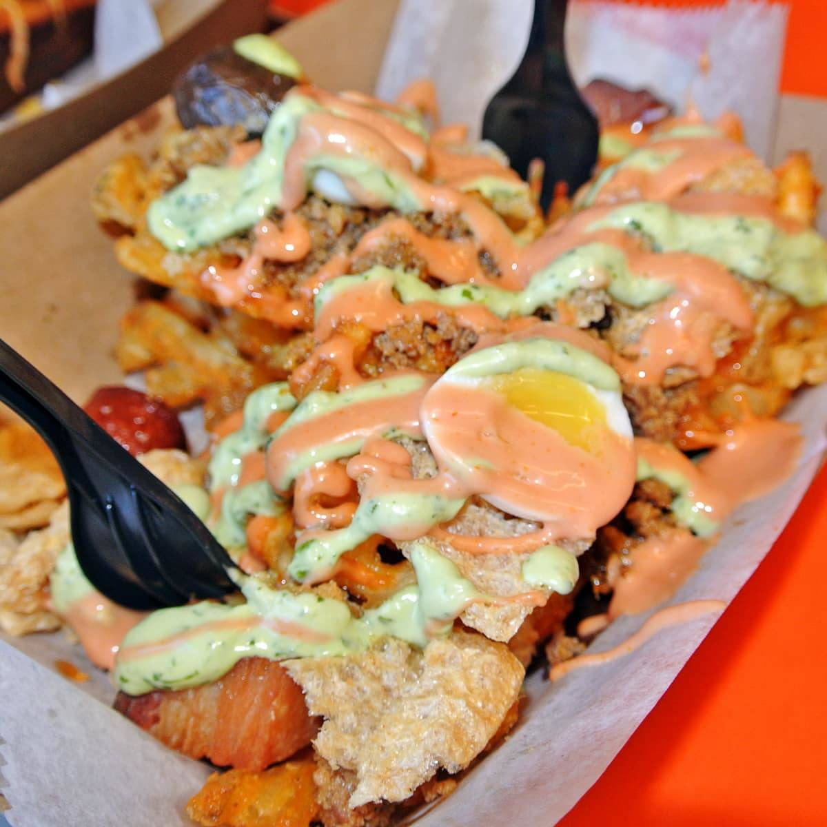 Hot Dog Insanity at Los Perros Locos LES